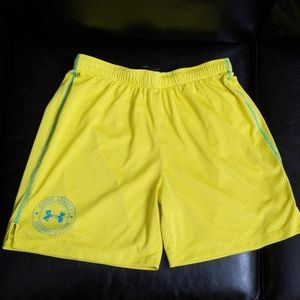 Ladies Under Armour basketball style shorts-Small